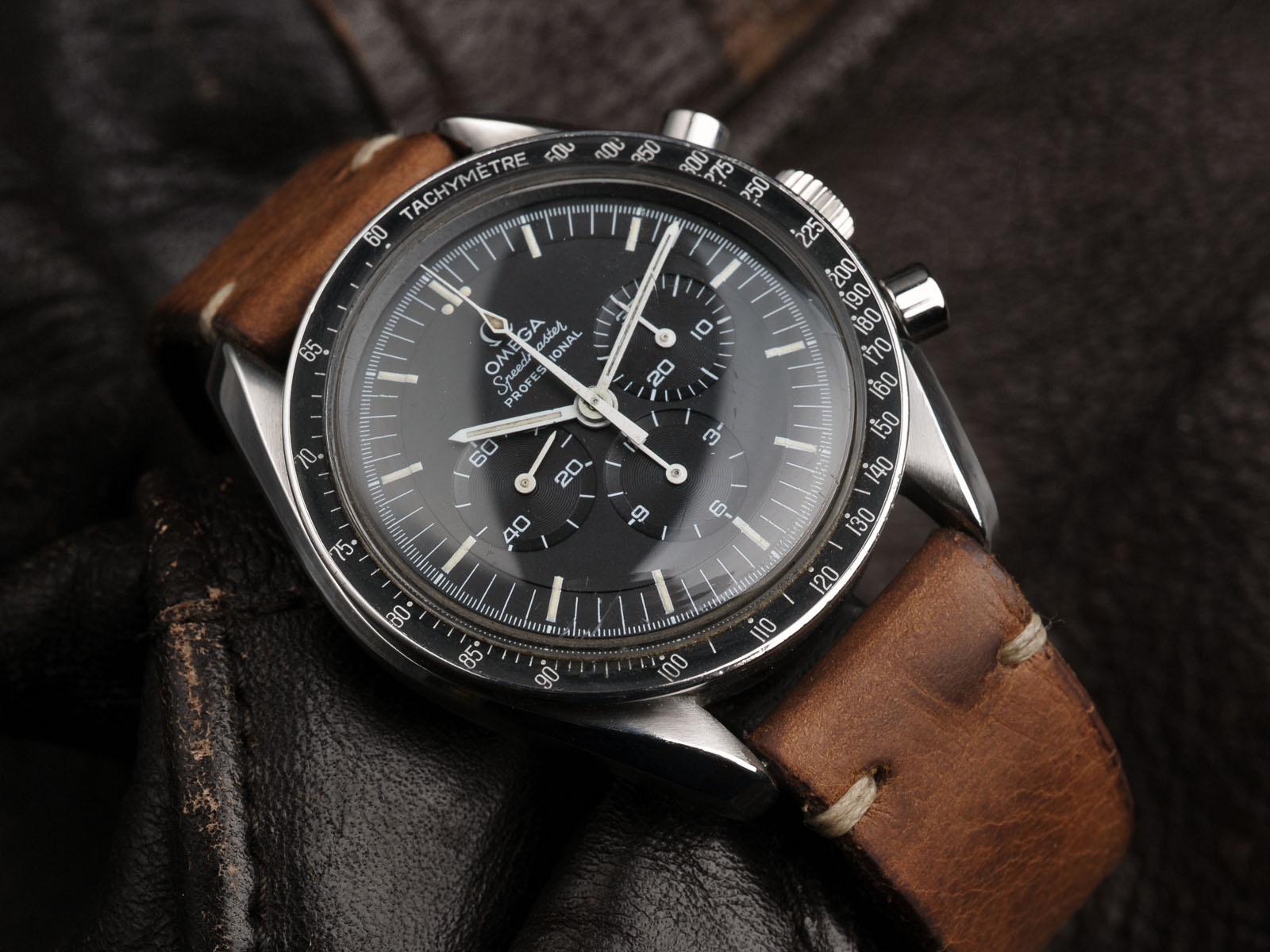 Fedex Box Prices >> OMEGA SPEEDMASTER 1969 - Bulang and Sons