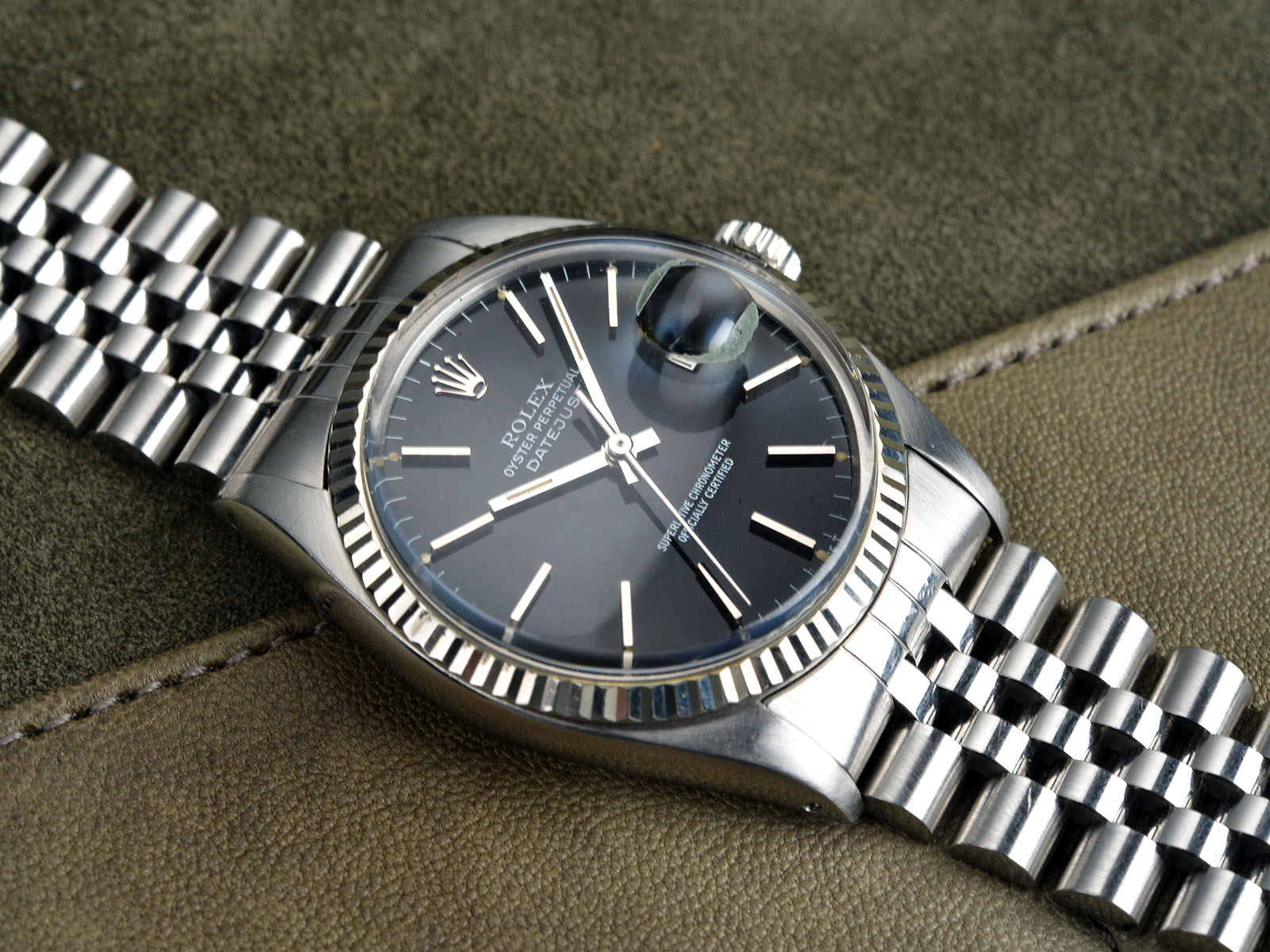 Fedex Box Prices >> GLOSS BLACK DIAL ROLEX DATEJUST 16014 - Bulang and Sons