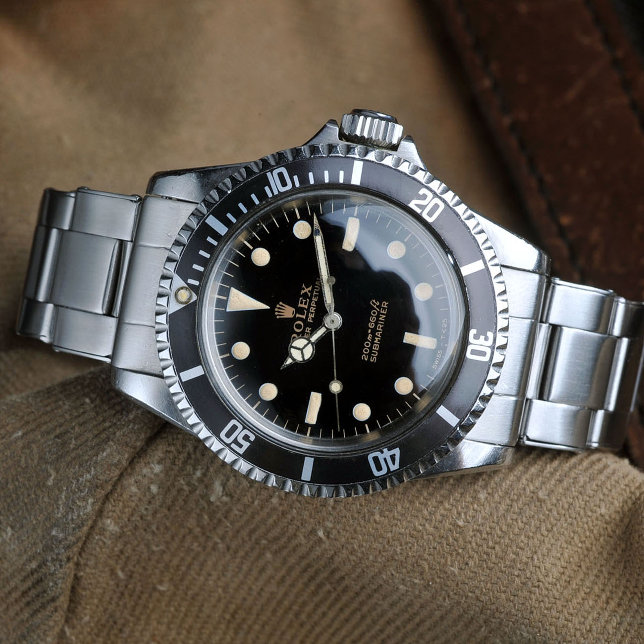 Vintage Rolex 5513 Submariner Love - Article at Bulang and Sons - Gilt Dial