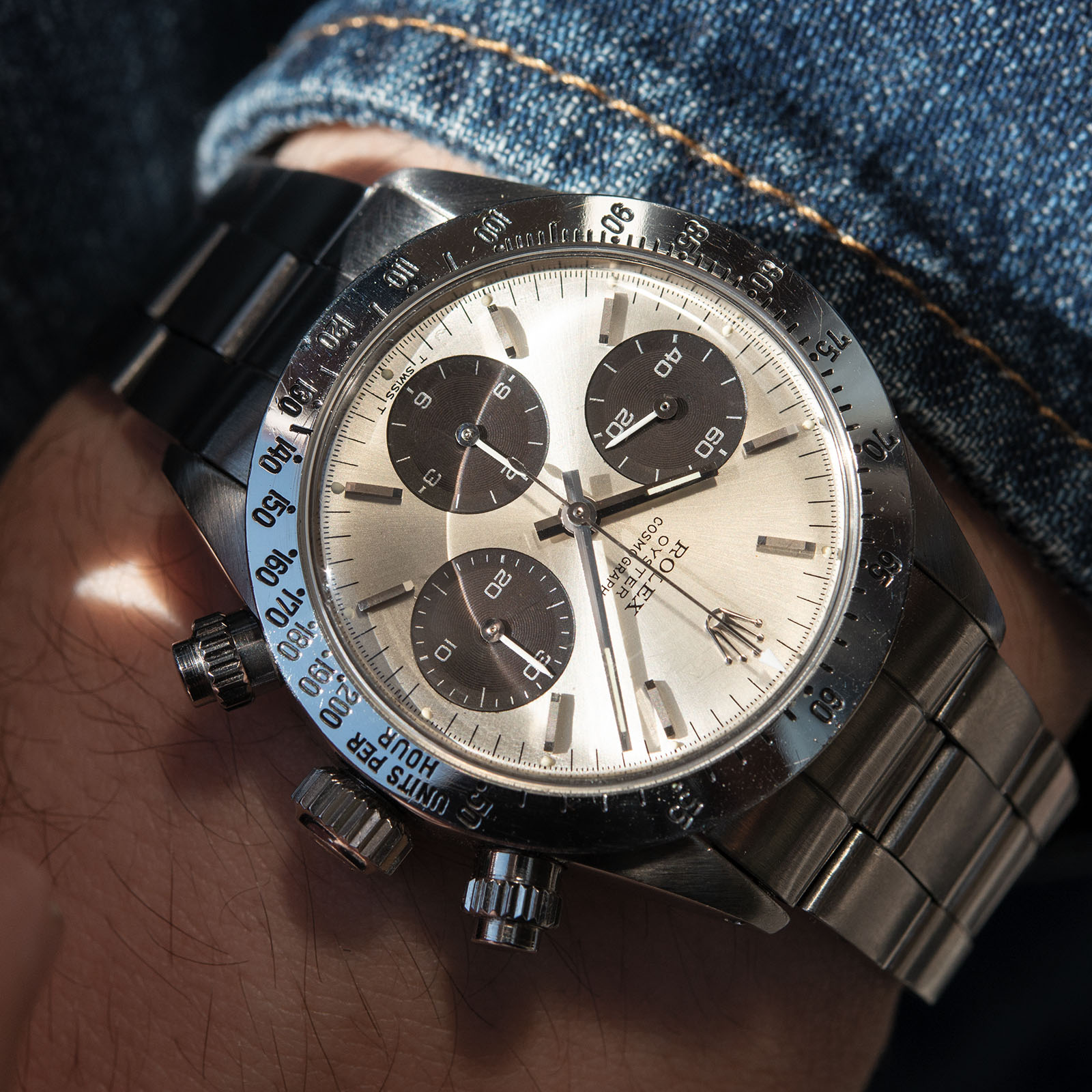 https://bulangandsons.com/collections/watches/products/rolex-daytona-6265-big-eye-silver-dial-w835