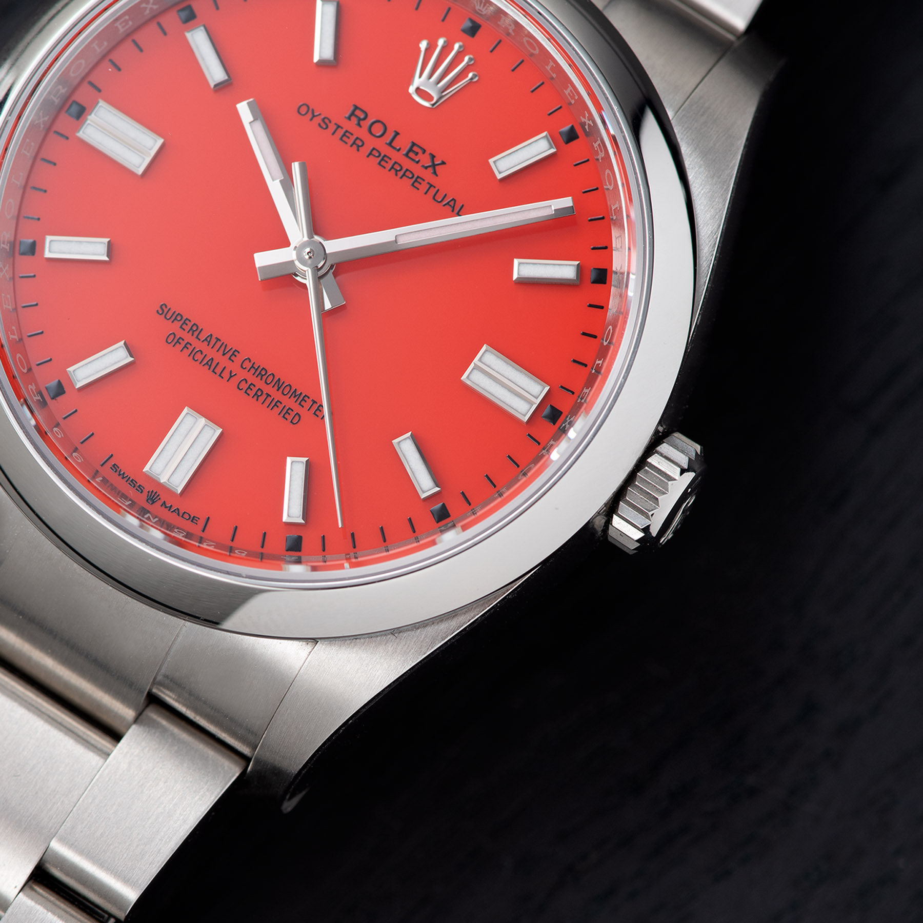 Rolex Oyster Perpetual 36mm Oystersteel 2020 Coral Red Detail