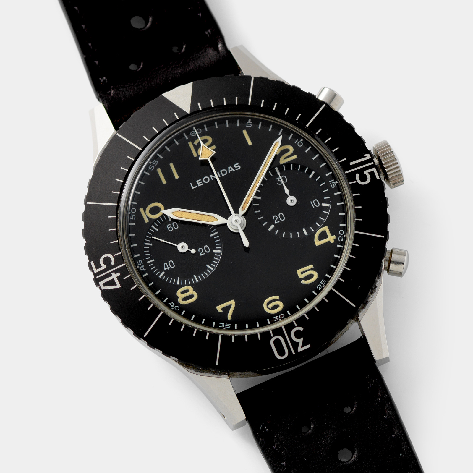 The Heuer Bundeswehr 1550SG Chronographs – More Than A Famous Strap, Leonidas Italian Army